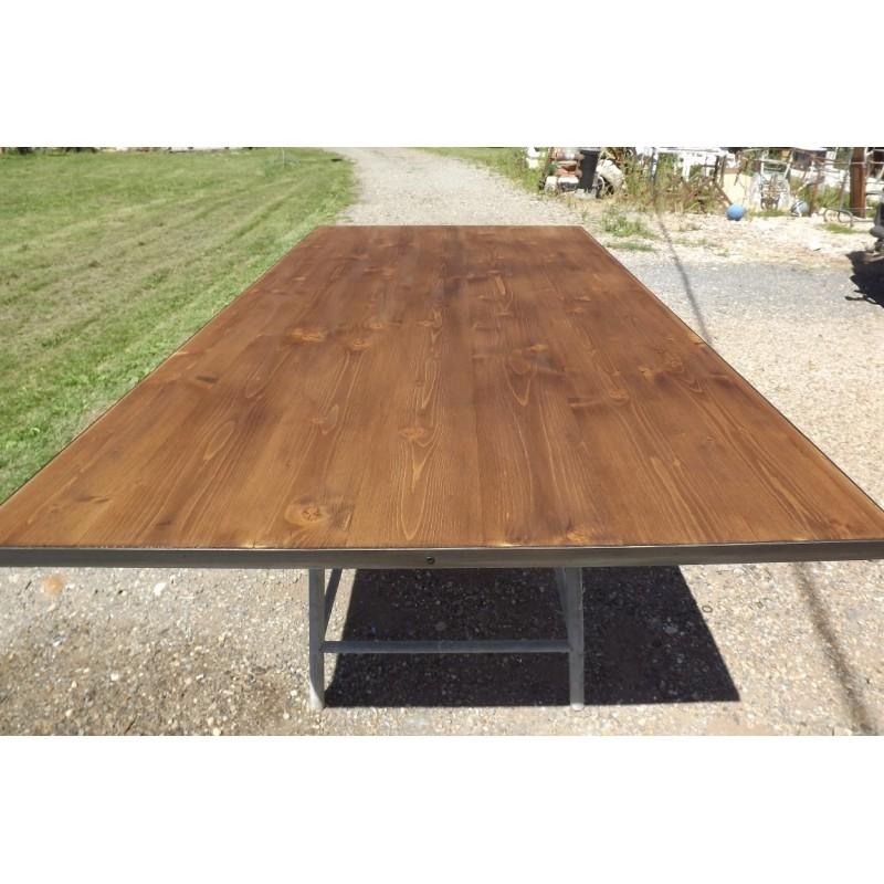 table industrielle fer et bois. Black Bedroom Furniture Sets. Home Design Ideas