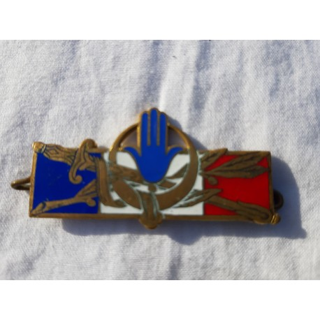 2 Broches Insignes Divers