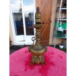 Lampe Bronze 19 ème décor à l'Antique