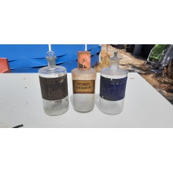 3 Flacons de Pharmacie en verre Transparent